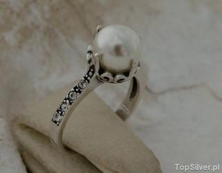 Alli - srebrny pierścionek z perła i kryształkami