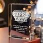 Odznaka 3d »super tata« • personalizowana statuetka 3d • grawer 3d