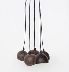 Urban nature culture :: lampa wisząca ze skorupy kokosa coco splot 5 brązowa