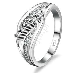 Pierścionek srebrny z eleganckim zdobieniem cyrkoniami