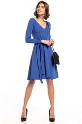 Rozkloszowana sukienka w szpic - chabrowa