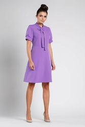 Sukienka rozkloszowana z kokardą fioletowa
