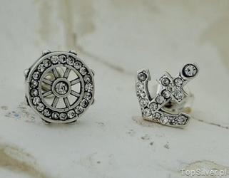 Navy ster i kotwica – srebrne kolczyki z cyrkoniam