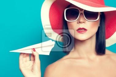Obraz summer girl gospodarstwa samolotu