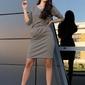 Dzianinowa sukienka z metalowymi napkami - szara