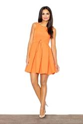 Pomarańczowa elegancka sukienka z paskiem kontrafałda