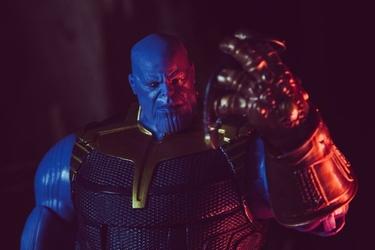 Thanos ver2 - plakat wymiar do wyboru: 21x29,7 cm