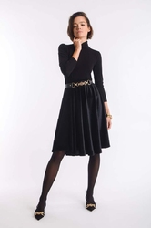 Rozkloszowana spódnica z weluru czarna