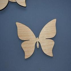 Drewniany motylek 9,5x8,5 cm - 02