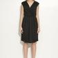 Czarna sukienka kopertowa bez rękawów