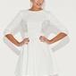 Elegancka ecru rozkloszowana sukienka mini z koronką
