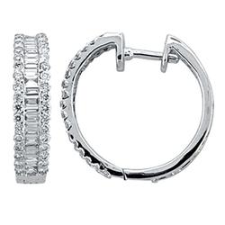 Staviori kolczyki. 68 diamentów, szlif brylantowy, masa 0,54 ct., barwa h, czystość i1. 42 diamenty, szlif bagieta, masa 0,48 ct., barwa h, czystość si2. białe złoto 0,585. średnica 18 mm. szerokość 4 mm.