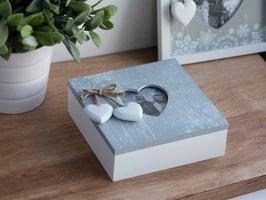 Pudełko do przechowywania  puzderko szkatułka na biżuterię, drobiazgi altom design home, drewniane z ramką na zdjęcie