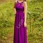 Fuksjowa suknia z kryształkami i gipiurową koronką