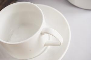 Filiżanka porcelanowa 140 ml ze spodkiem