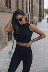 Czarny komplet krótki top i leggingsy