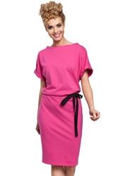 Ołówkowa sukienka w sportowym stylu z krótkim rękawem fuksjowa m284
