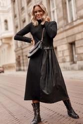 Czarna rozkloszowana dzianinowa sukienka z eko-skórą