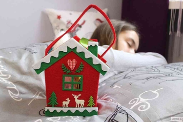 Opakowanie świąteczne na prezent  torba filcowa  torebka prezentowa dla dzieci altom design domek, czerwona
