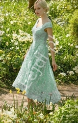 Miętowa sukienka z gipiurowej koronki, goddiva 1471