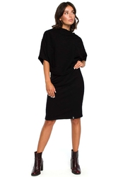 Czarna dzianinowa sukienka z lejącym dekoltem