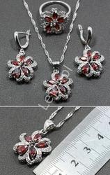 Zestaw srebro 925 - naszyjnik, pierścionek, kolczyki w kształcie kwiata, biżuteria srebrna z kryształkami w kolorze czerwonym