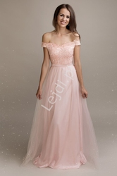 Jasno różowa tiulowa sukienka z dekoltem carmen z koronką  2197