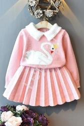 Różowy elegancki komplet dla dziewczynki, spódniczka i sweterek z łabędziem