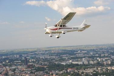 Lot widokowy samolotem dla dwojga - kraków - lot nad zakopane - 3 osoby 90 minut
