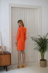 Żakietowa sukienka dwurzędowe zapięcie