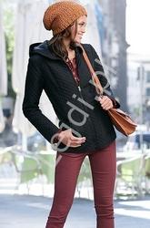 Pikowana czarna kurtka jesienna