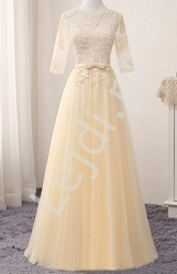 Tiulowa suknia wieczorowa zdobiona gipiurową koronką w kolorze szampana donna