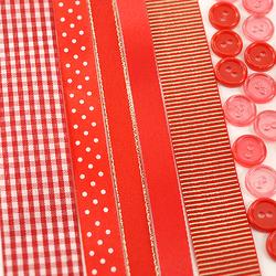 Zestaw wstążek i guzików - czerwony - CZE