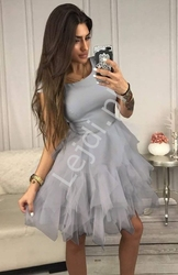 Szara krótka sukienka wieczorowa z tiulowymi falbanami sandra