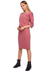 Różowa dzianinowa sukienka z kieszonką