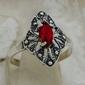 Martha - srebrny pierścionek z rubinem