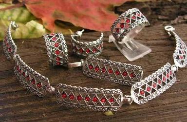 Gata - srebrny komplet z rubinami