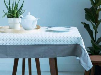 Obrus na stół altom design biały z dekoracją szara rozeta  obszycie szare 110 x 160 cm
