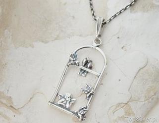 Anioł marzyciel - srebrny wisiorek