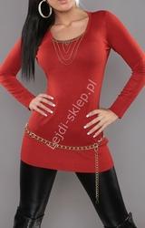 Ceglana dzianinowa tunikaz naszyjnikiem na dekolcie |  swetry w odieniu ceglanym, rude swetry 2125