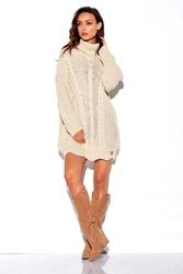 Beżowy sweter-tunika z golfem w warkocze
