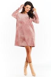 Krótka welurowa sukienka z łódeczkowym dekoltem - różowa