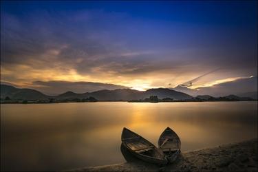Tafla jeziora – plakat wymiar do wyboru: 70x50 cm