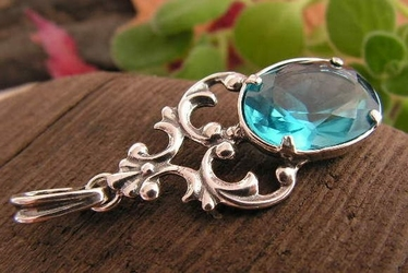 Nemi - srebrny wisiorek z akwamarynem