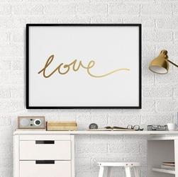 Love - plakat minimalistyczny ze złotym nadrukiem , wymiary - 60cm x 90cm, kolor ramki - biały, kolor nadruku - złoty