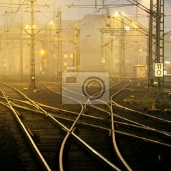 Obraz mylące torów kolejowych w nocy