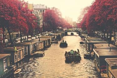 Fototapeta na ścianę kanał wodny w mieście jesienią fp 3672