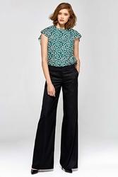 Czarne stylowe spodnie damskie z szerokimi nogawkami