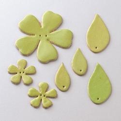 Zestaw skórzanych kwiatków i liści - zielony jasny - ZIELJAS