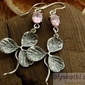 Koniczynka - srebrne kolczyki z różowym kryształem
